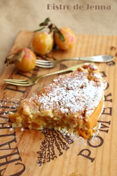 ✩ Check out this list of creative present ideas for beard lovers No Cook Desserts, Dessert Recipes, Desserts Fruits, Fall Recipes, Sweet Recipes, Plum Cake, Sweet Pie, Cool Wedding Cakes, Fancy Cakes