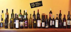 Vinos de Gran Canaria. Como peculiaridad cabe destacar que la D.O Gran Canaria es la única de las denominaciones de origen insulares que solo admite uvas autóctonas.