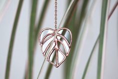 Beautiful statement monstera necklace. This is a perfect gift for every nature lover or plant enthusiast. Summerish and trendy this tropical leaf is made in a stained glass technique using lead free copper based solder and lead and nickel free findings. Monstera pendant hangs on Y