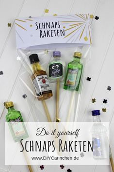 finance binder DIY Schnaps Raketen ganz e - finance Birthday Photos, Diy Birthday, Silvester Party Diy, New Years Party, New Years Eve, Diy Home Crafts, Easy Crafts, Cute Gifts, Funny Gifts
