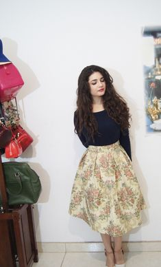 chabad w outfits Modest Dresses For Women, Modest Outfits, Girl Outfits, Fashion Outfits, Fashion Ideas, Cute Fashion, Modest Fashion, Skirt Fashion, Women's Fashion