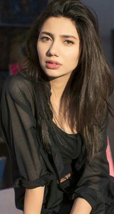 heiße und sexy Bilder von Amisha Patel