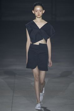 Jacquemus Spring 2016 Ready-to-Wear Fashion Show