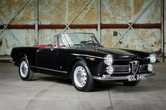 Looking for the Alfa Romeo 2600 of your dreams? There are currently 14 Alfa Romeo 2600 cars as well as thousands of other iconic classic and collectors cars for sale on Classic Driver. Old Sports Cars, Classic Sports Cars, Sport Cars, Classic Cars, Alfa Romeo Gtv 2000, Alfa Romeo Cars, Vintage Cars, Antique Cars, Alfa Alfa