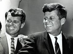 John Fitzgerald Kennedy (May 1917 – November commonly referred to by his initials JFK, was an American politician who served as the US President from January 1961 until his assassination in November Robert Kennedy, Les Kennedy, Ethel Kennedy, Jackie Kennedy, Greatest Presidents, Us Presidents, Die Kennedys, Kennedy Compound, Celebridades Fashion