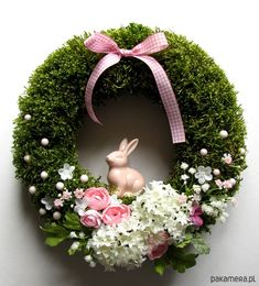 Green moss crown for spring or Easter. Easter decoration with a rabbit, flowers, egg. Natural spring wreath with moss Easter. Coronites and garlands o. Easter Wreaths, Holiday Wreaths, Christmas Decorations, Easter Flower Arrangements, Easter Flowers, Easter Table, Summer Wreath, Diy Wreath, Easter Crafts