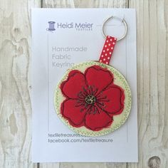 Gifts for nature lovers - textile poppy key ring Gifts For Nature Lovers, Handmade Design, Red Poppies, Key Rings, Textile Art, Handcrafted Jewelry, Jewelry Crafts, Poppy, Journals