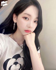 Cute Korean Girl, Korean Girl Groups, South Korean Girls, Cool Girl, My Girl, Anime Korea, Winner Ikon, Meet Girls, Black Mamba