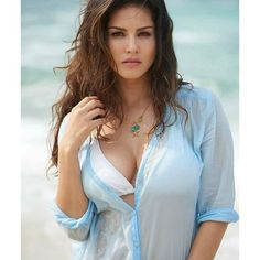 Dream Girls Photos: 12 tempting hot looking pictures of sunny Leone Beautiful Girl Indian, Beautiful Girl Image, Most Beautiful Indian Actress, The Most Beautiful Girl, Cute Beauty, Beauty Full Girl, Beauty Women, Stylish Girl Pic, Stylish Girl Images