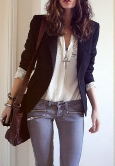 Black or dark blue blazer, white blouse, jeans. Add bracelets and necklaces for charm.