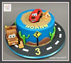 """Gâteau d'anniversaire """"Cars"""""""