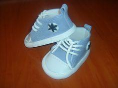 Rozi Erdélyi konyhája: Kis cipő sablon Baby Shoes, Sneakers, Fashion, Tennis, Moda, Slippers, Fashion Styles, Baby Boy Shoes, Sneaker