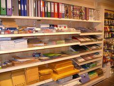stationery shop - Buscar con Google Stationary Shop, Stationery Store, Bookstore Design, Showroom Design, Exterior Design, Counter, Shelves, Marketing, Table