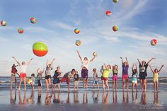 Who is up for a FUN, cad beach portrait with their extended family?  I looove this...everyone cad and enjoying each other...  Think of something similar yet unique to your family's style of having fun