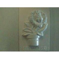 Plaster Fun House - Flower pot man Plaster Molds, Fun House, Flower Pots, Flowers, Home Goods, Lion Sculpture, Statue, Art, Flower Vases