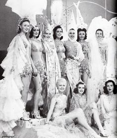 "Lana Turner, Judy Garland and Hedy Lamarr with Ziegfeld dancers in ""Ziegfeld Girl"" 1941"