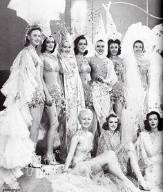 "Lana Turner, Judy Garland and Hedy Lamarr with Ziegfeld dancers in ""Ziegfeld Girl"" 1941"