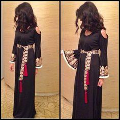 @kuwaititrend2014 #abaya #caftan #kaftan #bisht #islamicdress #arab For more abaya & caftan inspiration please visit my page: www.pinterest.com/santanadxb/abayas-bishts-kaftans-jalabiyas/
