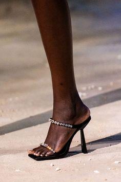 Vogue Paris, Sock Shoes, Shoe Boots, Sneakers Fashion, Fashion Shoes, Milan Fashion, Women's Fashion, Edgy Shoes, Versace Shoes