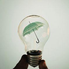 umbrella in bulb #redhetpeertje
