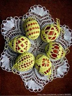 vyzanye_pashalnye_yajca2 (525x700, 308Kb) Crochet Stone, Crochet Lace, Crochet Stitches, Crochet Patterns, Easter Crochet, Egg Decorating, Chrochet, Doilies, Happy Easter