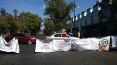Ante la falta de pagos por parte de la UMSNH, el Sindicato de Profesores de la Universidad Michoacana tomó el campus universitario y cerró la Avenida Francisco J. Múgica, la ...