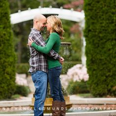 Great outfits for a Fall engagement session.     Click to see more >>>  http://blog.nathanieledmunds.com/2012/11/16/carrie-matt/