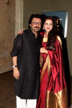 Sanjay Leela Bhansali and Rekha Indian Bridal Sarees, South Indian Sarees, Indian Bridal Wear, Silk Saree Kanchipuram, Silk Sarees, Saris, Bollywood Outfits, Bollywood Saree, Indian Dresses