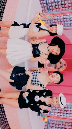 K Pop, Cute Dog Drawing, Blackpink Square Up, Blackpink Poster, Fandom Kpop, Best Photo Poses, Black Pink Kpop, Borders For Paper, Blackpink Photos
