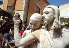 Esculturas Humanas en la Fiesta del Dios Baco, en Baños de Valdearados. Por el Diario de la Ribera
