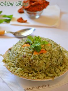 Mint Pulav ~ delicious, aromatic & immensely flavorful rice dish..!  http://www.tastyappetite.net/2012/12/how-to-make-pudina-rice-mint-rice-pulav.html