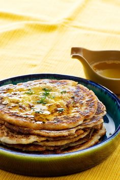 Looking for some simple keto recipe? These Keto Naan Bread is right choice for you. You can serve this keto naan bread with your favorite green salad Panini Low Carb, Low Carb Bread, Low Carb Keto, Bread Diet, Ketogenic Recipes, Low Carb Recipes, Cooking Recipes, Ketogenic Diet, Donut Recipes