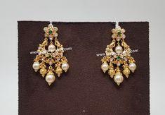 Gold Jhumka Earrings, Indian Jewelry Earrings, Gold Earrings Designs, Gold Jewellery Design, Necklace Designs, Gold Jewelry, India Jewelry, Big Earrings, Temple Jewellery