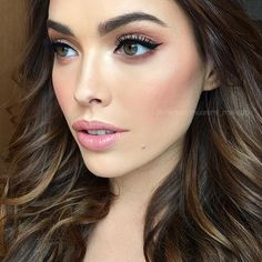Friday night glam on the stunning @melodyle #wingedliner #mertonmuaremimakeup #makeup #makeupartist #melbournemakeupartist #beauty #freshbeauty #lashes @modelrocklashes #brows