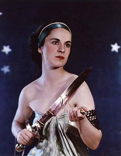 Madame Yevonde: Nadine Muriel (née Crofton), Countess of Shrewsbury as Ariadne. Vivex colour print, 1935.