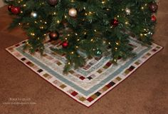 Piece N Quilt: Christmas Tree Skirt tutorial Great for scraps