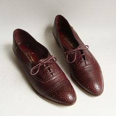 vintage shoes 6.5 Red leather Etienne Aigner flats $49 by Old Baltimore Vintage on Etsy