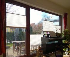 Mehrere sensuna® Plissees an einem großen Wohnzimmerfenster - alle nach Maß gefertigt - ein Kundenfoto / Some of sensuna® pleated blinds on a huge window in the living room - all customized - customerphoto