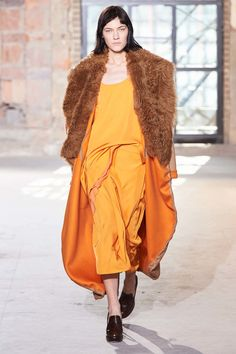 See the complete Sies Marjan Fall 2016 Ready-to-Wear collection.