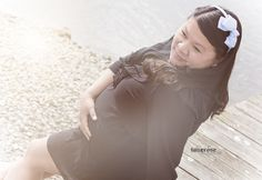 maternity photo taken by www.tonerosedesign.com for blogger http://fabelaktive.com  8 months pregnant june 2015
