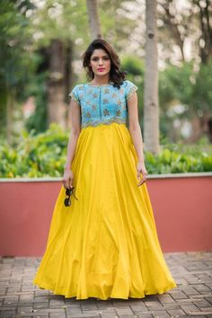 Anarkali gown by Issha studio Long Gown Dress, Frock Dress, Saree Dress, Long Dresses, Dress Prom, Full Gown, Long Gowns, Chiffon Dress Long, Baby Dresses