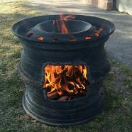 DIY Wood Stove or Outdoor Fireplace - Can't find the original source but would l. DIY Wood Stove o Rim Fire Pit, Wheel Fire Pit, Fire Pits, Metal Projects, Welding Projects, Diy Projects, Welding Ideas, Outdoor Projects, Diy Wood Stove