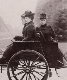 Queen Louise of Denmark and daughters, Dowager Tsaritsa Maria Fyodorovna and Princess Alexandra of Wales. Mids 1890s.