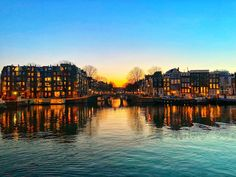Amsterdam Canals, Amsterdam City, Amsterdam Netherlands, Amsterdam Pictures, Living In Amsterdam, Amazing Sunsets, Sunset Photography, City Lights, The Good Place
