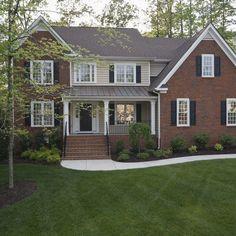 36 Ideas for red brick house exterior curb appeal Brick House Colors, Exterior Paint Colors For House, Paint Colors For Home, Exterior Colors, Exterior Design, Orange Brick Houses, Siding Colors, Red Bricks, Brick Siding