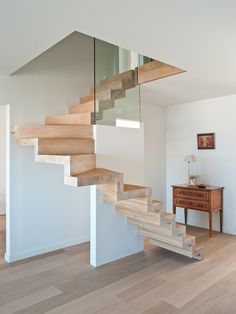 Professionals in staircase design, construction and stairs installation. In addition EeStairs offers design services on stairs and balustrades. Staircase Railings, Wood Stairs, House Stairs, Staircase Design, Stairways, Interior Stairs, Interior Architecture, Stairs To Heaven, Escalier Design