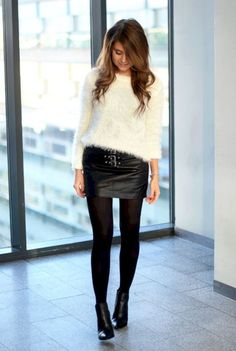 Chic sweaters for Fall. White fluffy sweater with black leather skirt and boots Mode Outfits, Fall Outfits, Casual Outfits, Fashion Outfits, Outfits 2016, Cozy Fashion, Skirt Fashion, Fall Fashion, Mini Skirt Outfit Winter