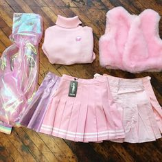 + outfits fashion, kawaii clothes ve pastel goth. Harajuku Fashion, Kawaii Fashion, Cute Fashion, Fashion Styles, Pastell Goth Outfits, Pastel Outfit, Kawaii Clothes, Kawaii Outfit, Pink Clothes