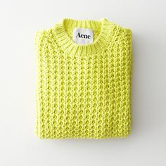Yellow pull over acne Yellow Cat, Mellow Yellow, Neon Yellow, Style Indie, My Style, Style Blog, Indie Fashion, Fashion Outfits, Fashion Trends