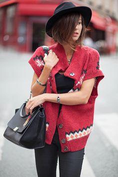 Cardigan Free People (dispo ici) Top American Vintage Slim Zara Sac Céline Boots Pamela Love x Nine West (similaires ici et là) Hou la vilaine qui n'a pas eu le temps de préparer la rédaction de son post du jour ! HouOoOu ! Qu'on lui jNouveau billet !